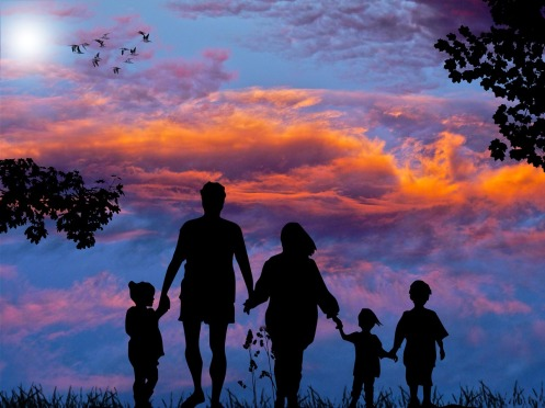 family-1517192_1280